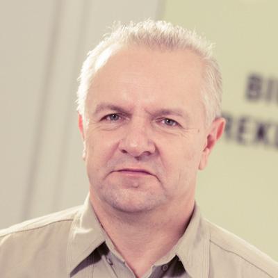 Jarosław Kołodziej specjalista ds. reklamy i sponsoringu E-mail: jaroslaw.kolodziej@radiopoznan.fm - Radio Poznań