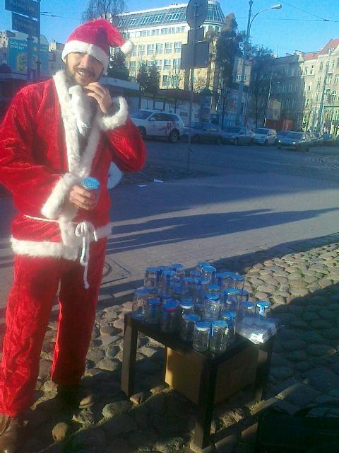 Mikołaj z butelkami - Jacek Kosiak