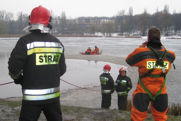 ratowanie topielca na lodzie - Rafał Muniak