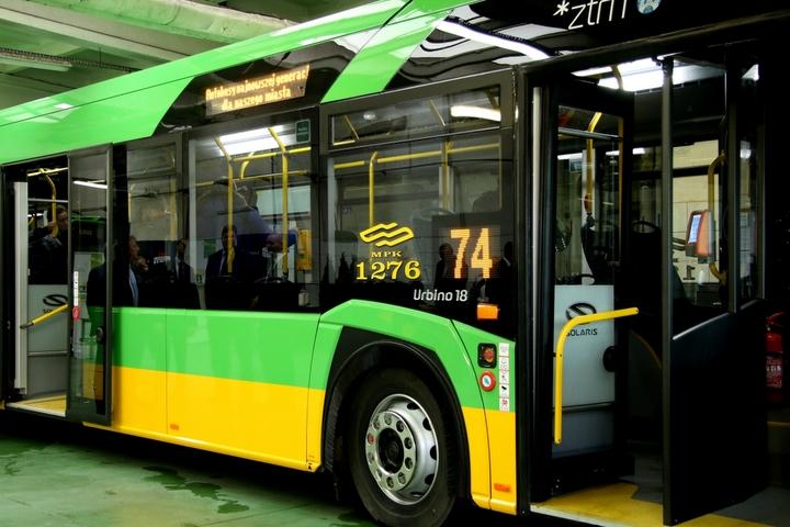 autobus nowy solaris (1) - Justyna Kowalewska