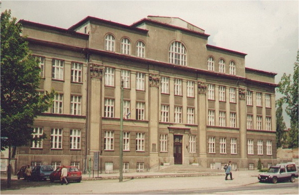 Budynek VIII LO - Archiwum