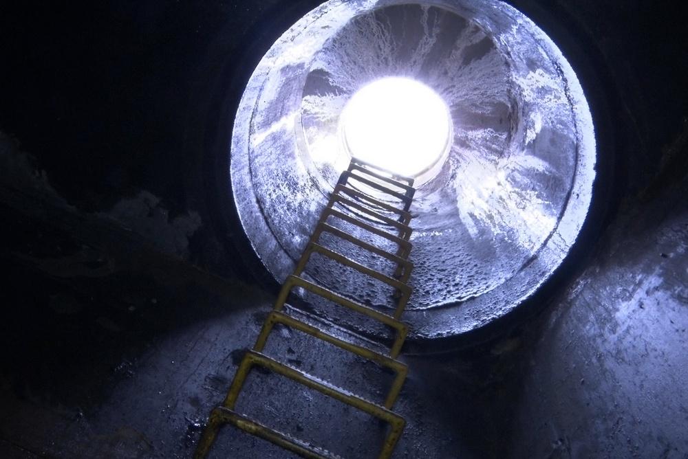 rura kanalizacji deszczowej wejście do kanału cd - Wojciech Wardejn