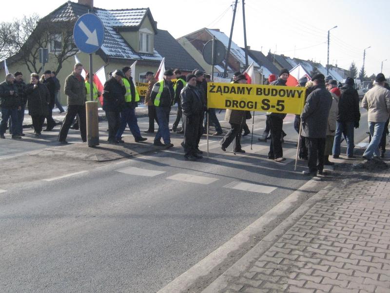Protest w Dębienku - droga S5 - Jacek Butlewski