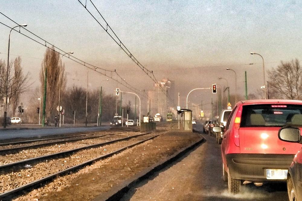 smog nad miastem - Grzegorz Ługawiak