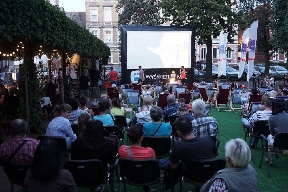Kino pod chmurką - Urząd Miasta Leszno - Urząd Miasta Leszno