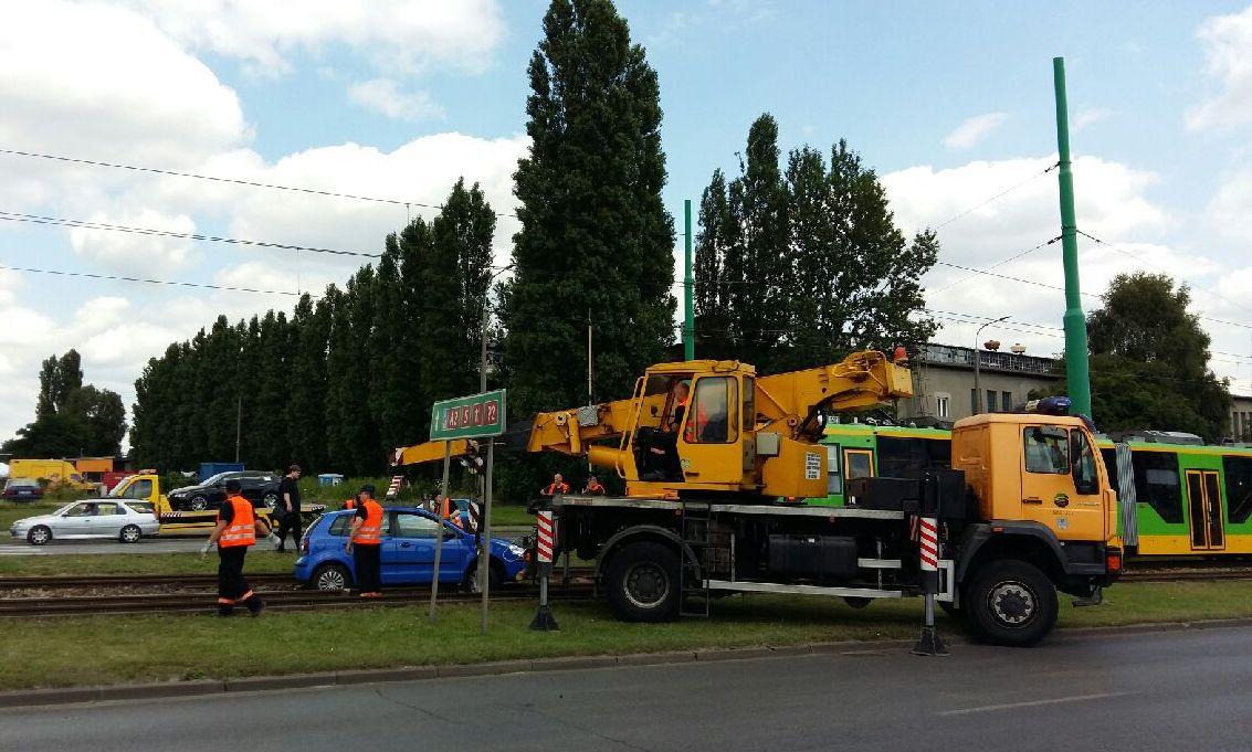 wypadek hetmańska samochód na torowisku tramwajowym - Magdalena Konieczna