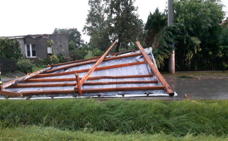 konin zerwany dach - fot. KM PSP Konin