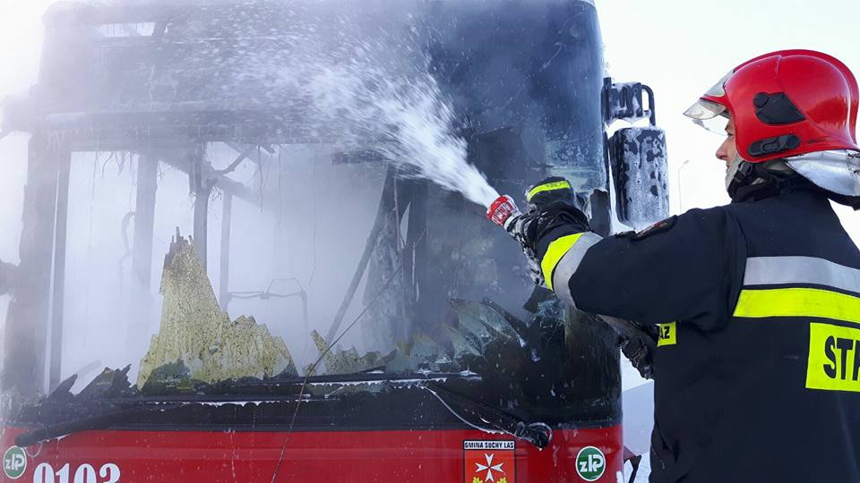 Spłonął autobus Suchy Las - OSP Suchy Las