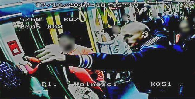 atak  rasistowski tramaj - www.poznan.policja.gov.pl