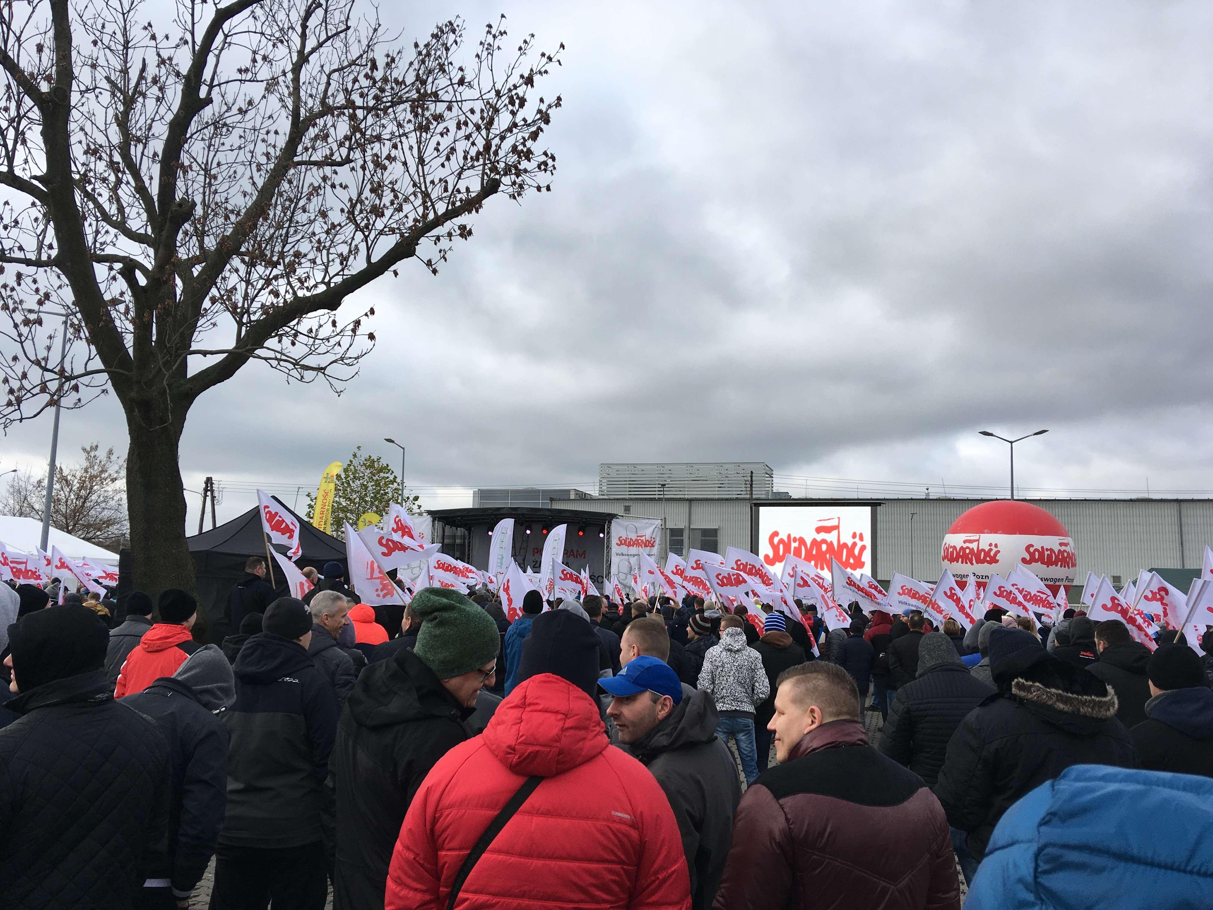 protest poznań volkswagen - Adam Michalkiewicz