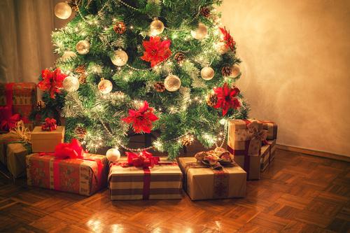prezenty choinka święta boże narodzenie - Fotolia