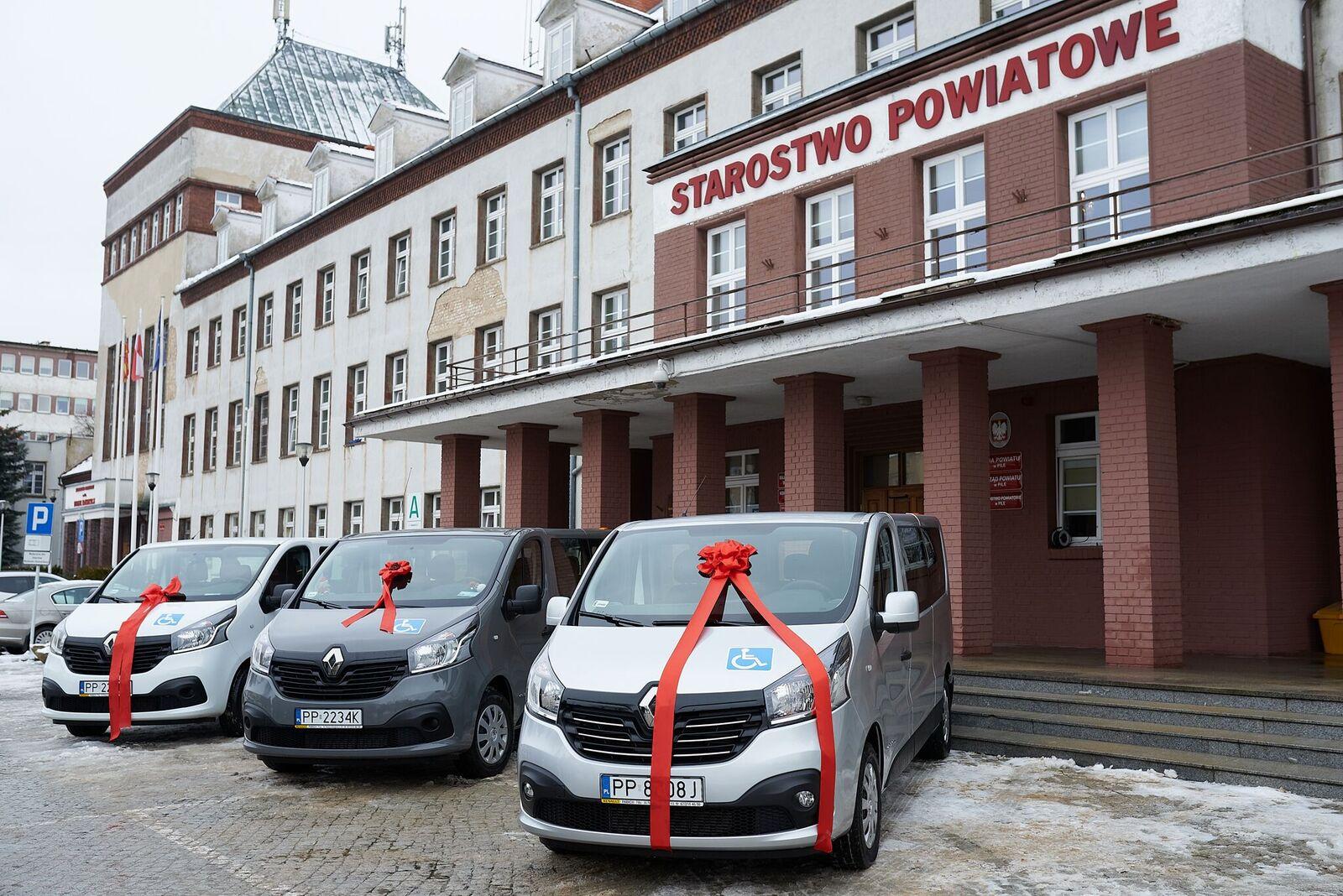 nowe samochody dom pomocy społecznej piła - Przemysław Stochaj