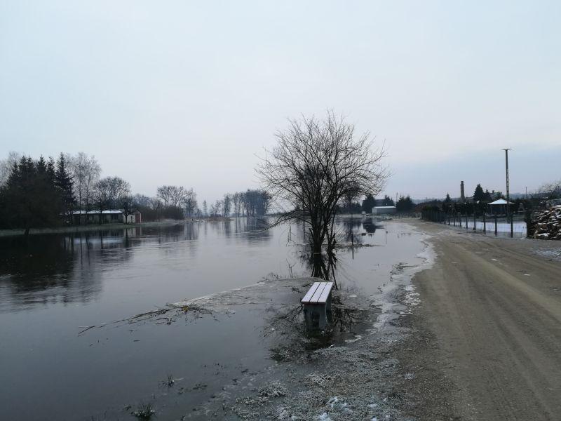 zalane tereny rzeka podtopienia - Krzysztof Jankowski