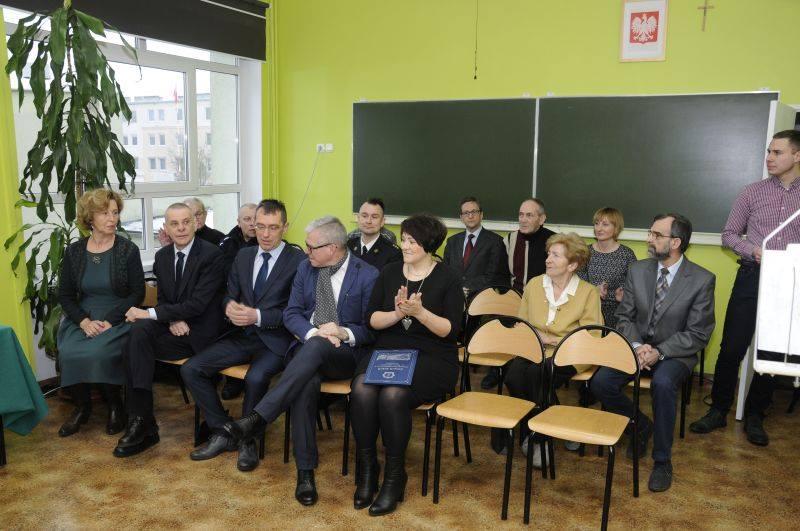 Zespół Szkół Ponadgimnazjalnych Nr 2 im. Papieża Jana Pawła II w Gnieźnie Facebook