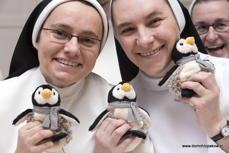 broniszewice siostry pingwiny - Dom Chłopaków w Broniszewicach
