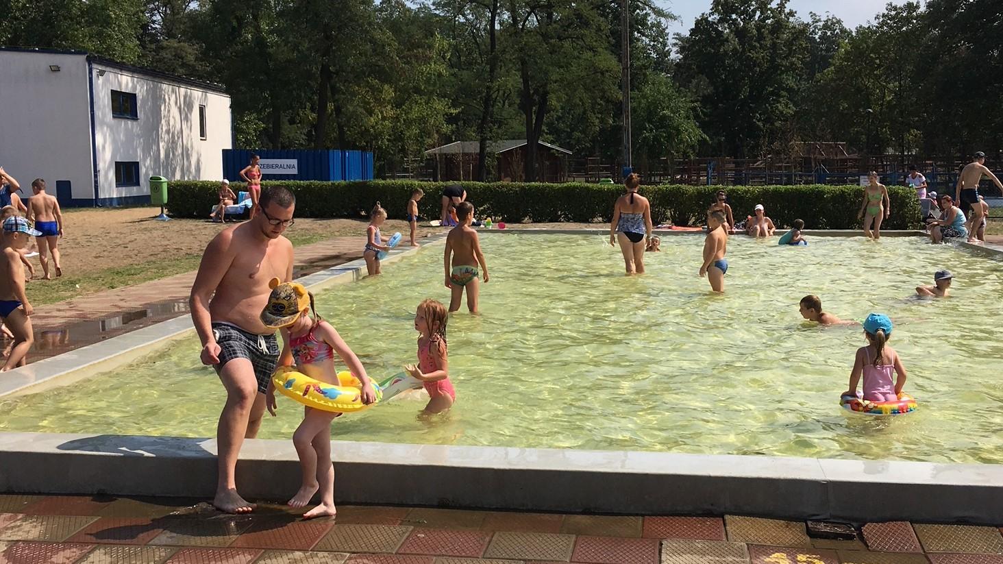 basen w lesznie lato upały - Jacek Marciniak