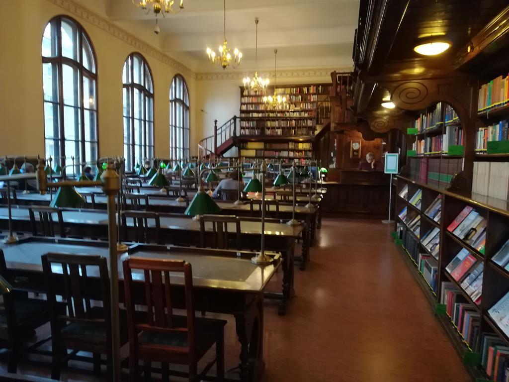stare księgi na uam biblioteka - Sandra Soluk