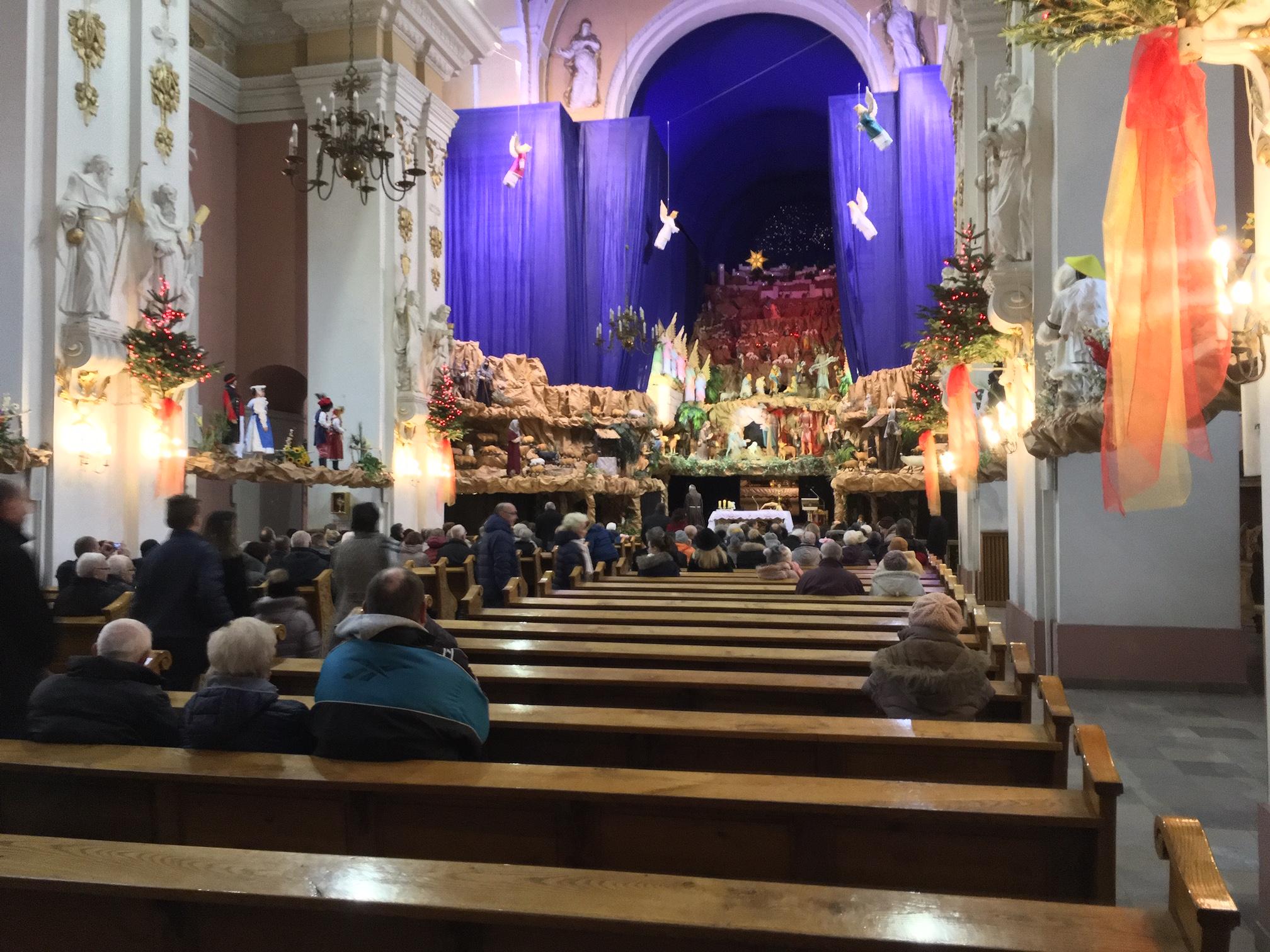 Żłóbek u w kościele ojców Franciszkanów - Adam Michalkiewicz - Radio Poznań
