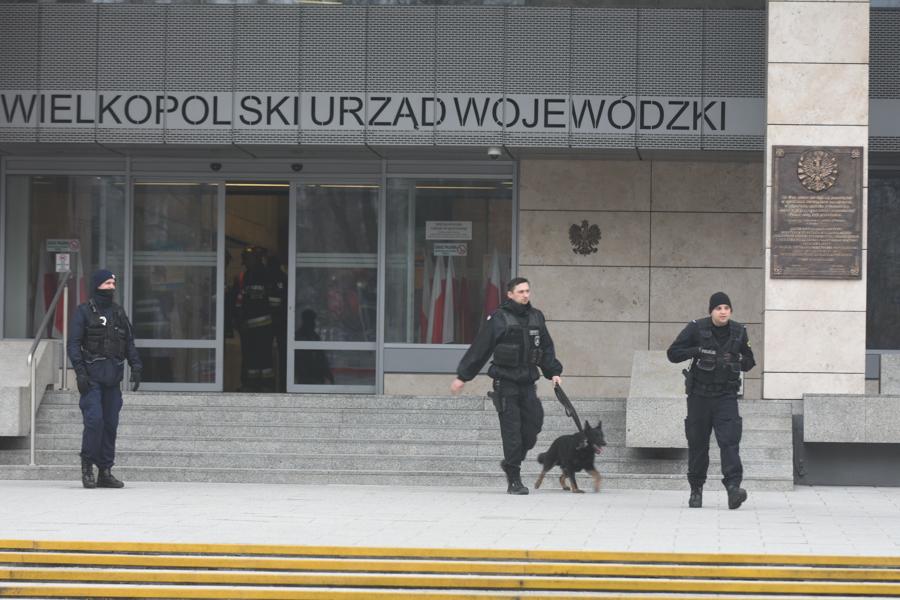 alarm bomowy urząd wojewódzi - Wojtek Wardejn - Radio Poznań