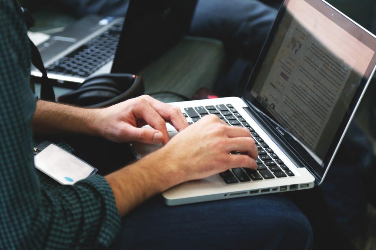 komputer programista internet - Pixnio/domena publiczna