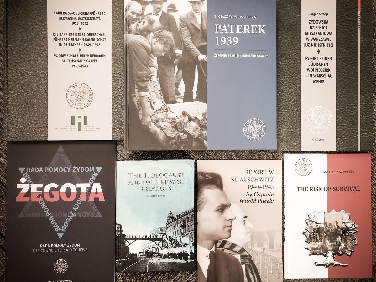 książki wysłane dziennikarce Andrei Mitchell - ipn.gov.pl -  Publikacje wysłane dziennikarce