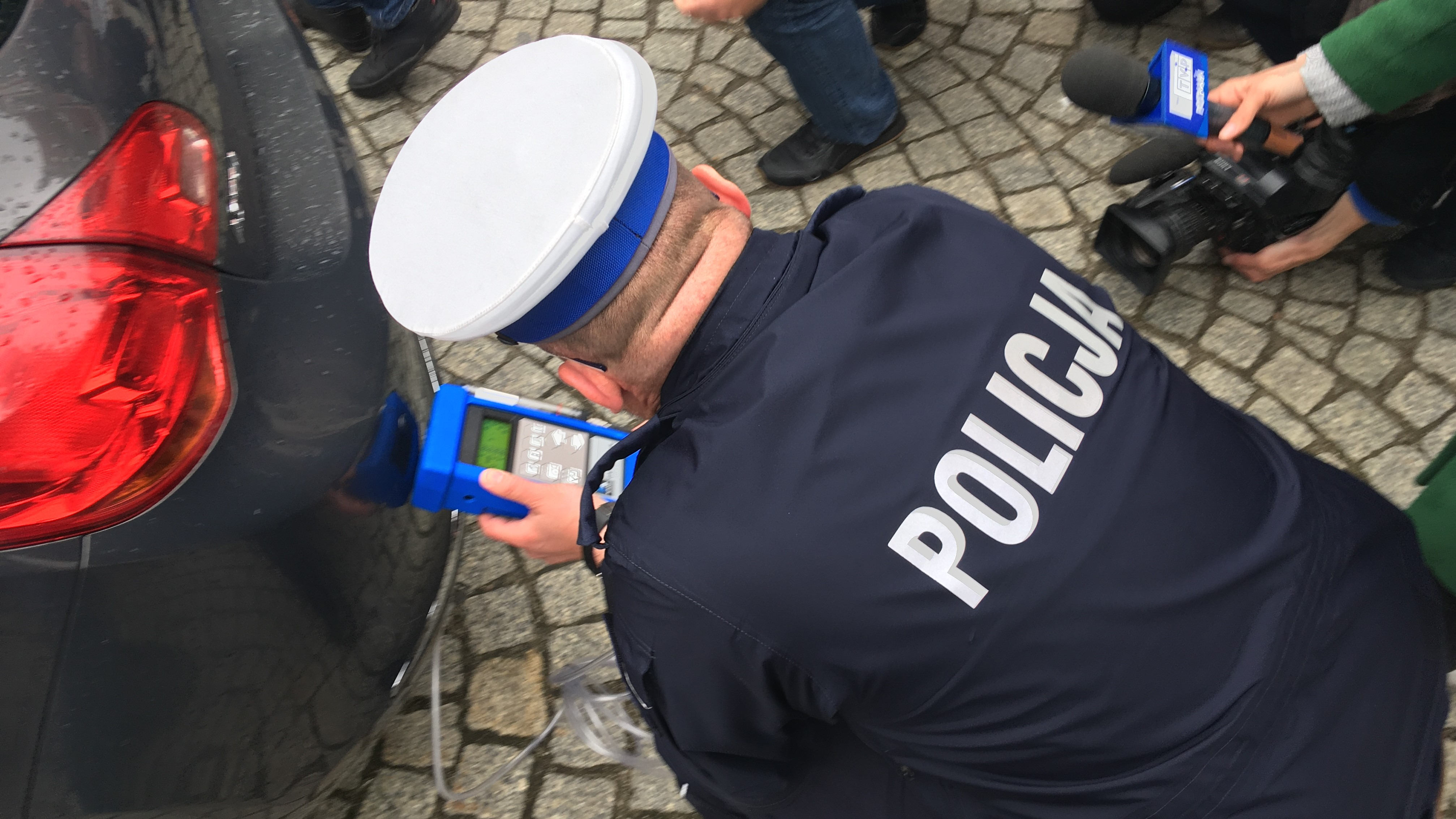 policyjne auto - Adam Michalkiewicz - Radio Poznań