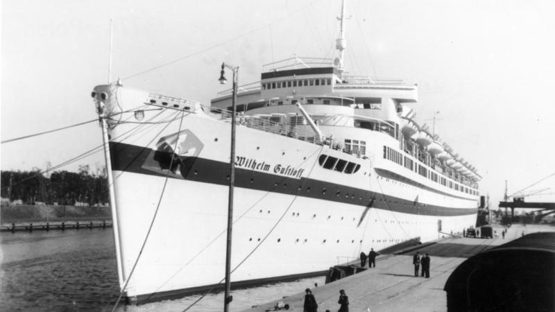 MS Wilhelm Gustloff - By Bundesarchiv, Bild 183-H27992 / Sönnke, Hans / CC-BY-SA 3.0, CC BY-SA 3.0 de, https://commons.wikimedia.org/w/index.php?curid=5434070 - Wikipedia