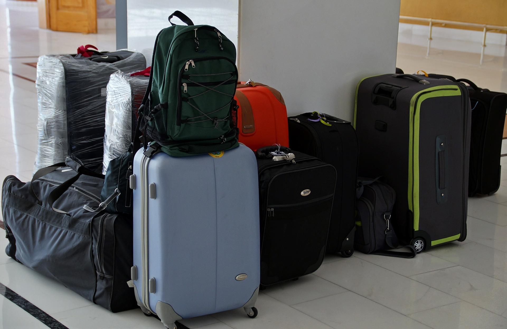walizki wakacje podróż - pixabay