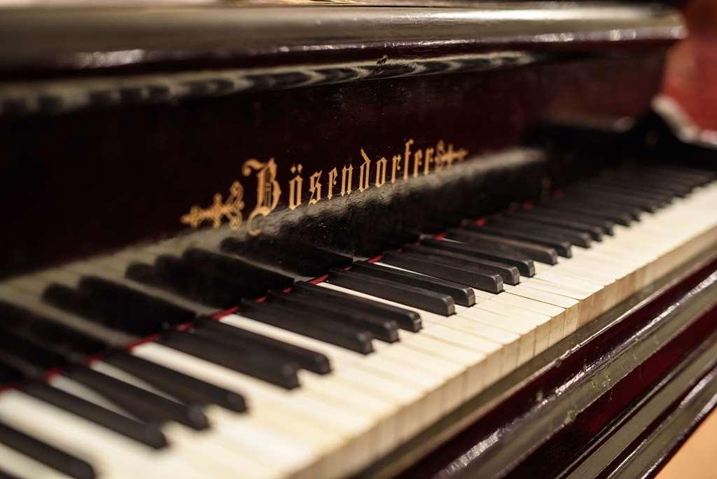 fortepian paderewskiego - UW