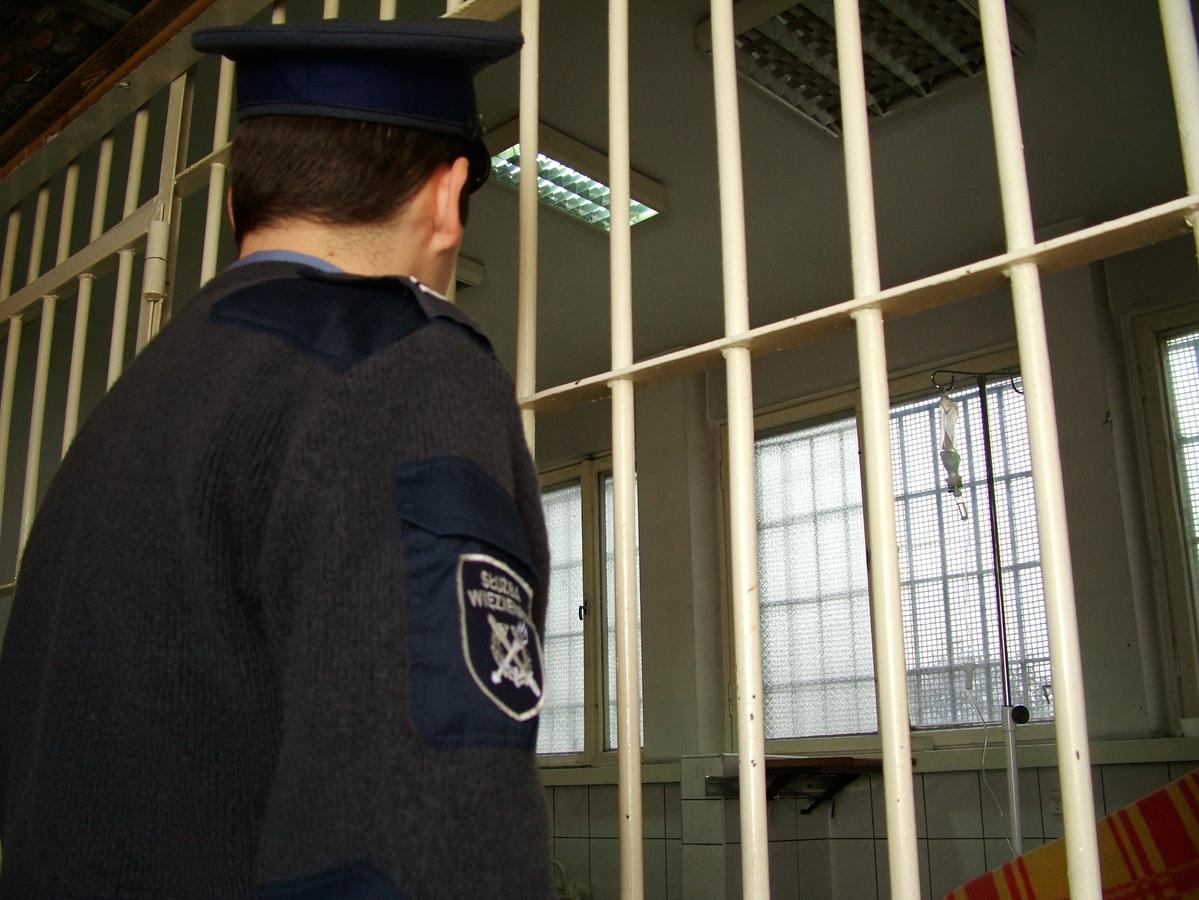 areszt więzienie kraty - Wojtek Wardejn - Radio Poznań