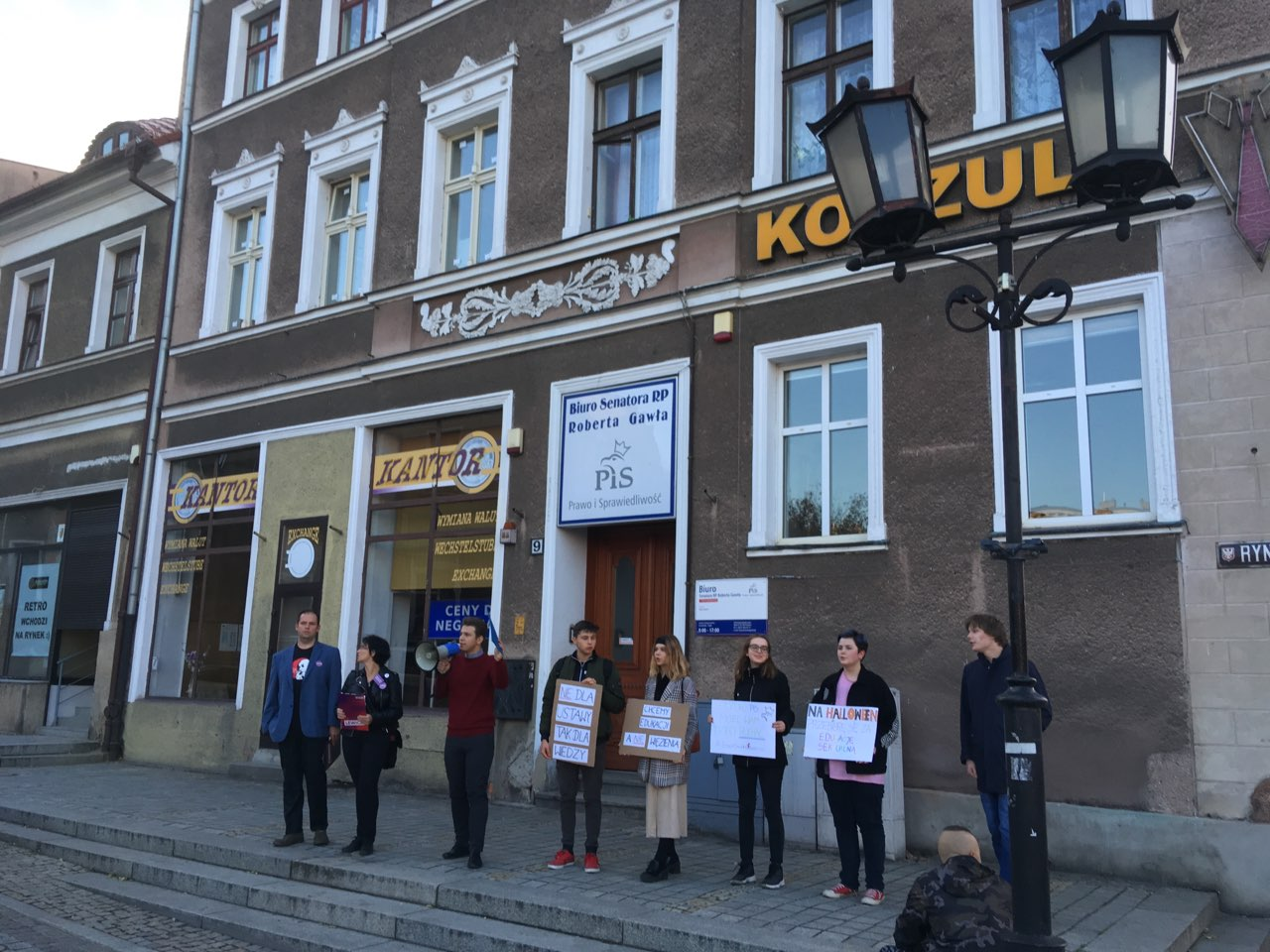 lewica protest biuro pis edukacja seksualna - Rafał Muniak