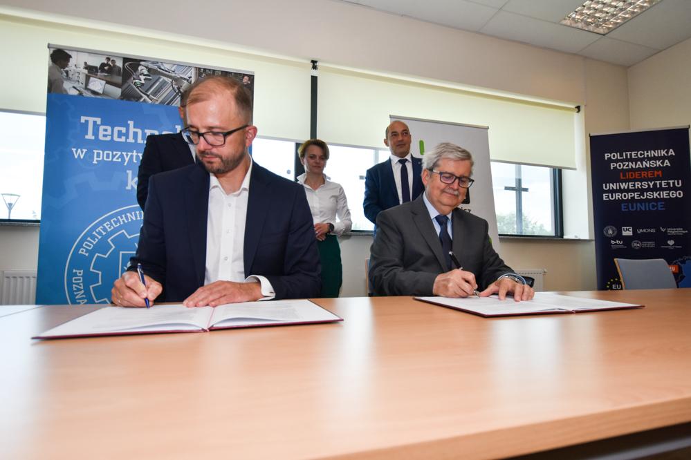 Politechnika Poznańska podpisała umowę z Siecią Badawczą Łukasiewicz - Wojtek Wardejn