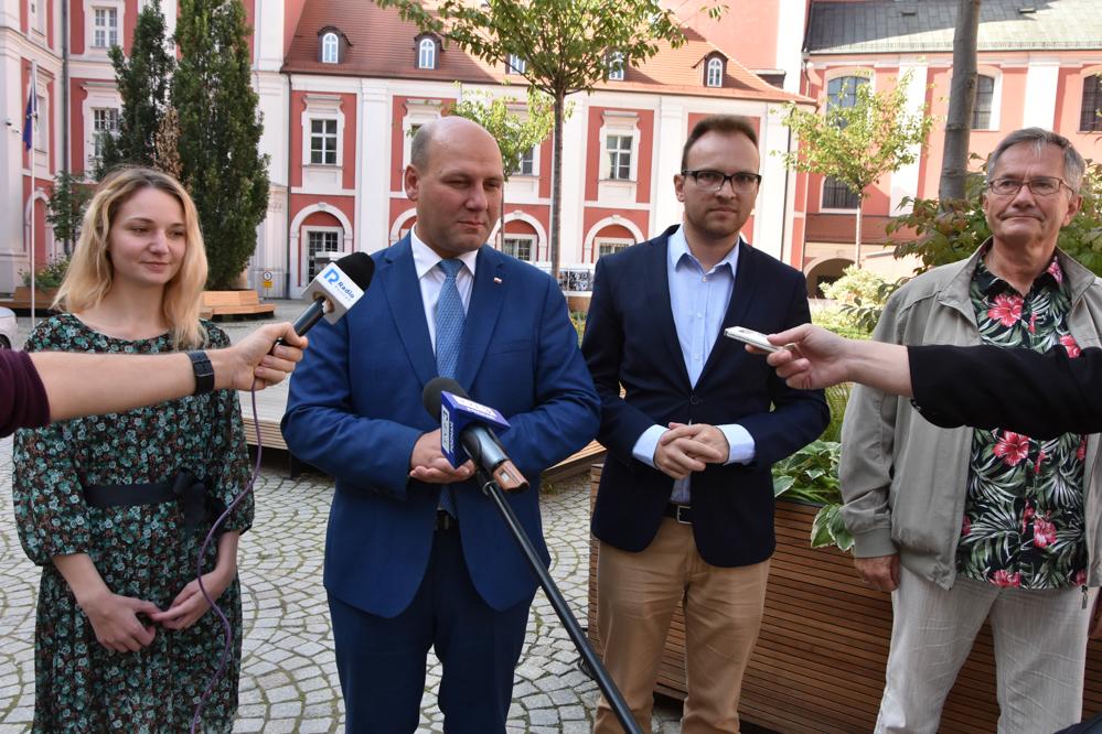 PiS chce stypendiów dla białoruskich studentów - Wojtek Wardejn
