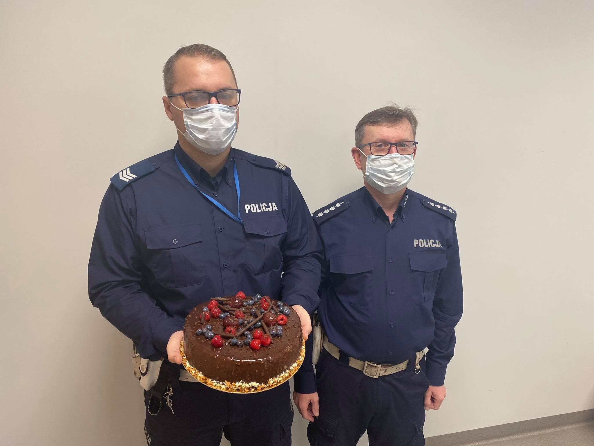 policja nowy tomysl tort theo - KPP w Nowym Tomyślu