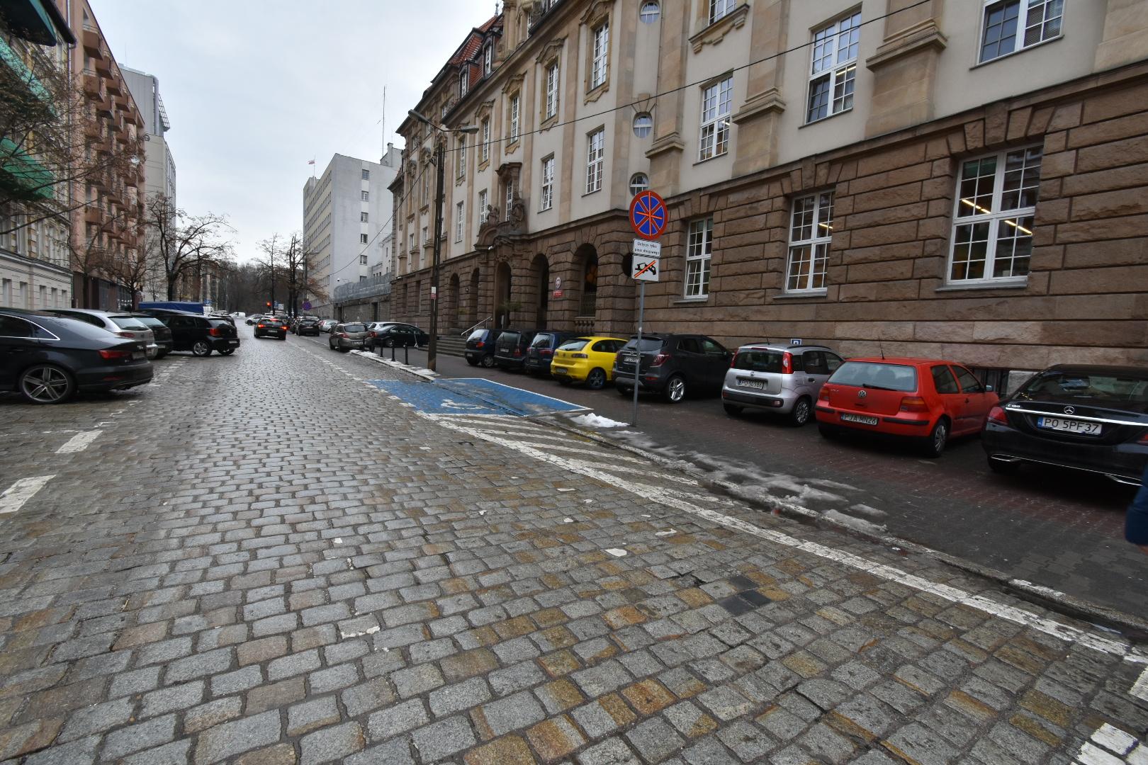 parkowanie sąd młyńska  - Wojtek Wardejn