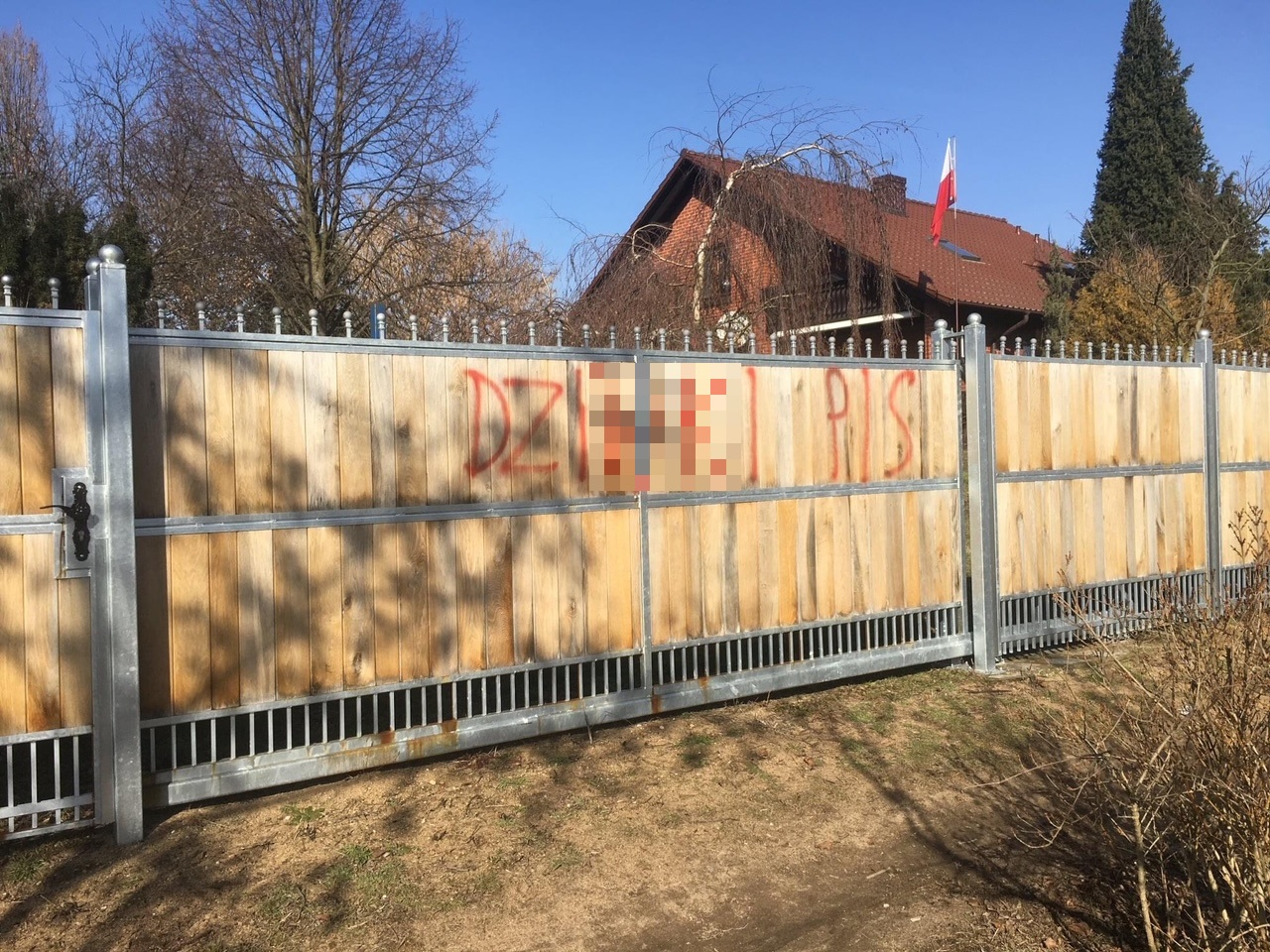 oborniki radny pis płot ogrodzenie hasła obraźliwe - Wiesław Bartkowiak