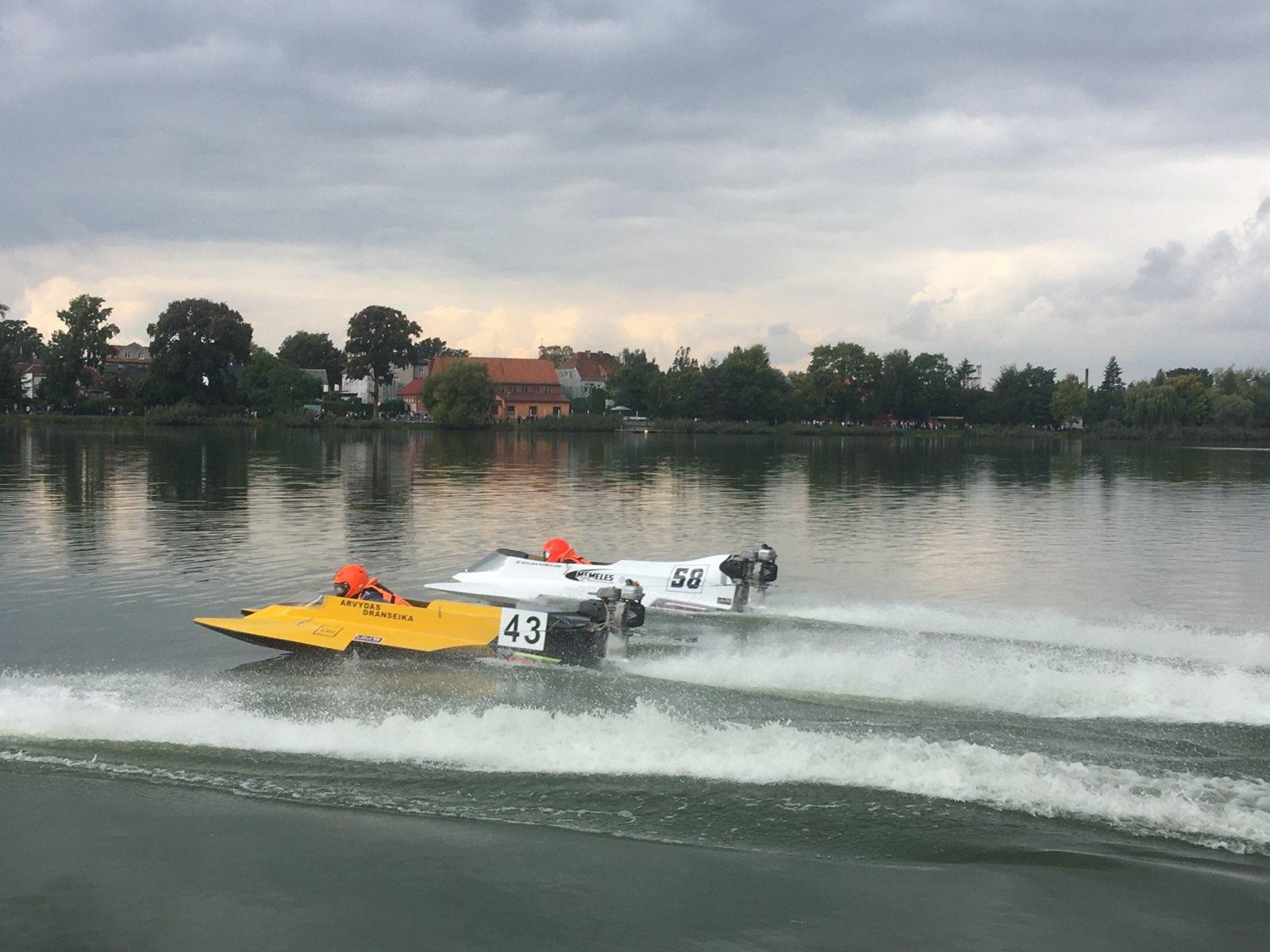 jezioro rogoźno zawody wyścigi motorówek - Rafał Muniak