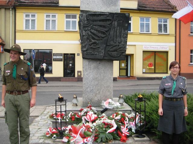 Kostrzyn - hołd 27 ofiarom publicznej egzekucji z 20.10 1939r./fot.Rafał Regulski