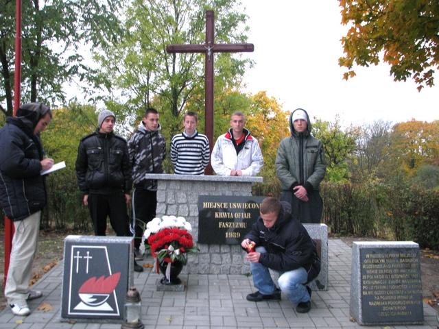 Zapal Znicz Pamięci 2011 - Sadki k. Wyrzyska