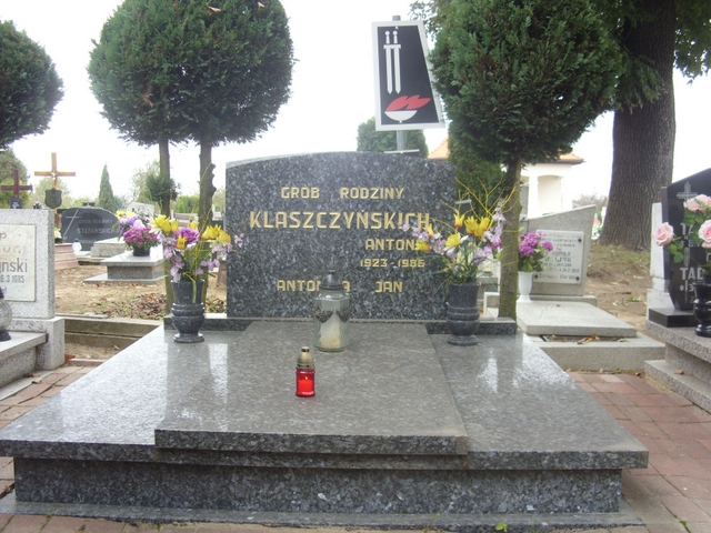Grób Jana Klaszczyńskiego, pierwszej ofiary terroru w gm. Murowana Goślina
