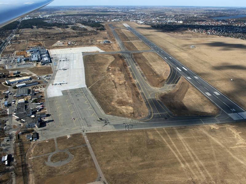 Lotnisko Ławica z powietrza - Marek Kaczmarczyk