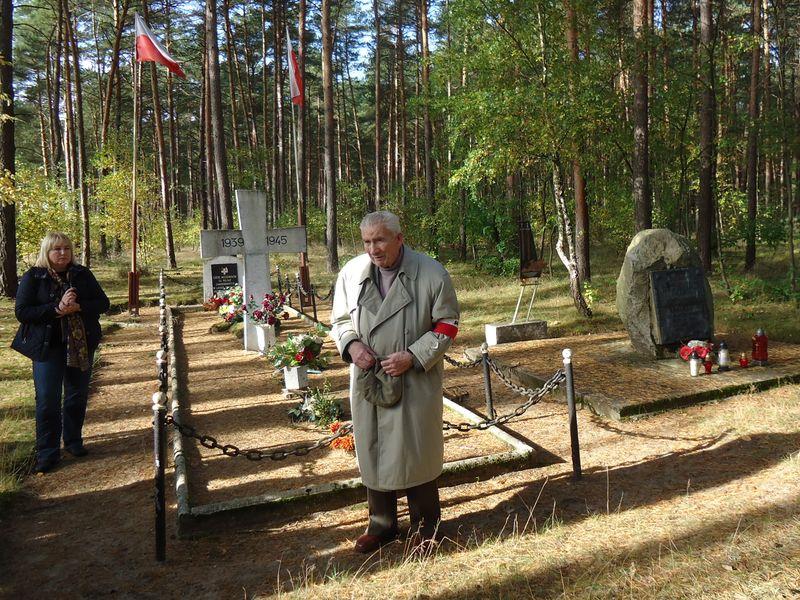 Młodzież ze WSPAK i szkół poznańskich w rajdzie do Lasów Kobylnickich