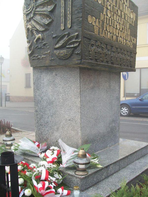 Zapal Znicz Pamięci 2012 - Kostrzyn Wielkopolski - rynek