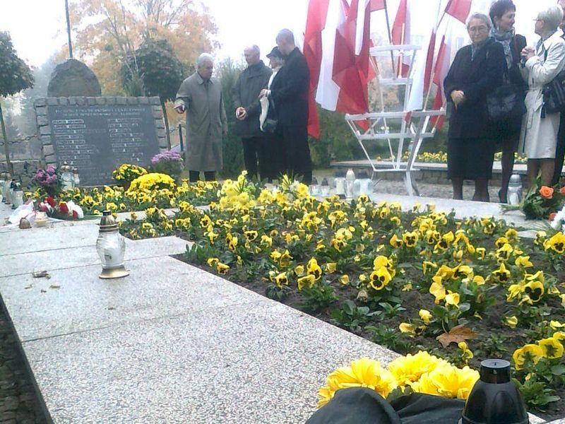 Zapal Znicz Pamięci 2012 w Lesznie