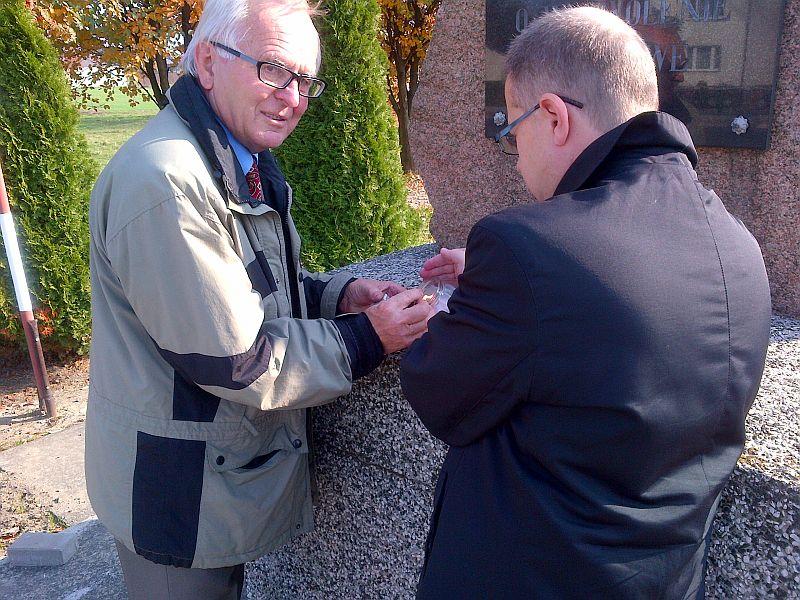 Zapal znicz pamięci 2012 - Uroczystości w Malanowie Fot. Dariuszy Młynarczyk