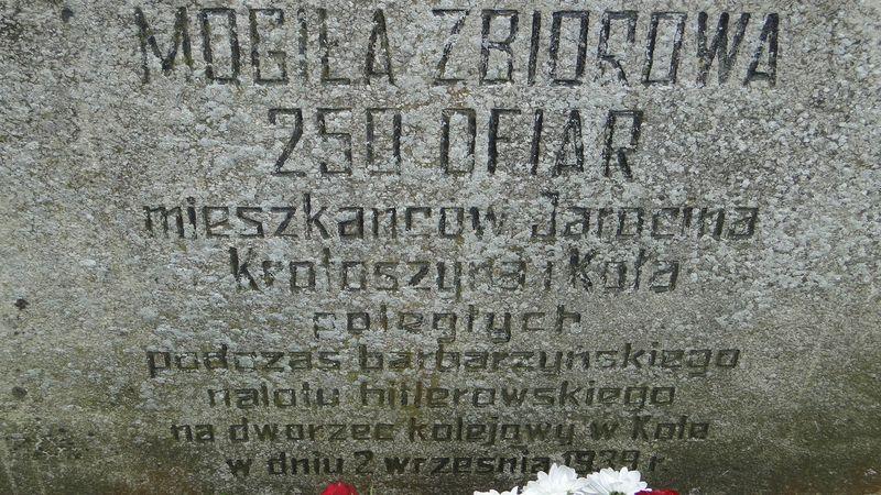 Tablica pamiątkowa na cm. w Kole