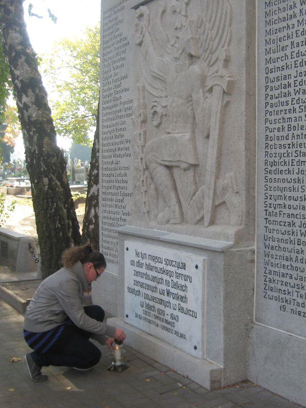 Pomnik pomordowanych - cmentarz w Gnieźnie