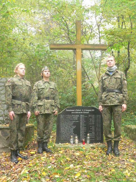 Znicze w miejscach pamięci w Gnieźnie i okolicach