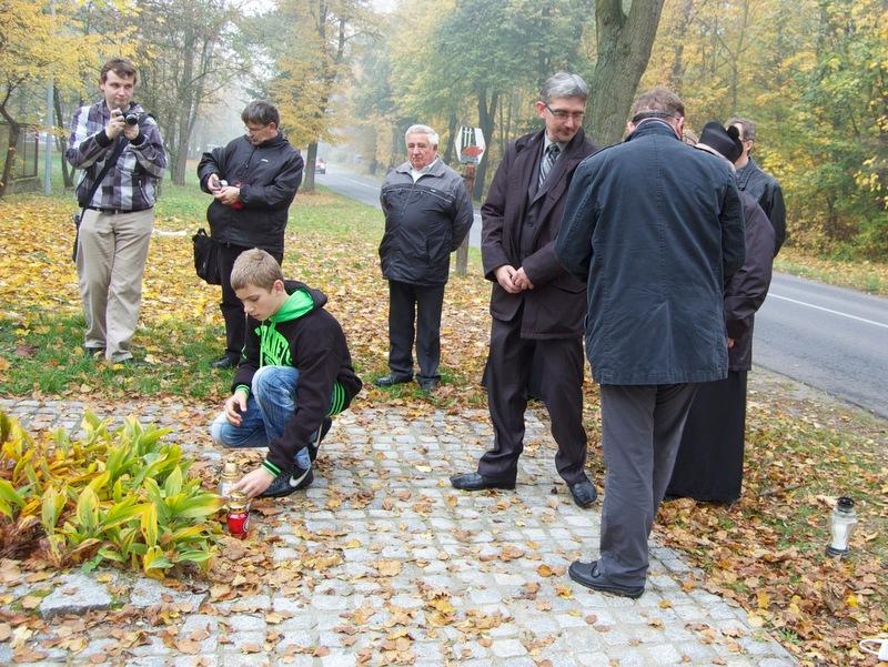 Zapal Znicz Pamięci 2012 - Września - Dębina