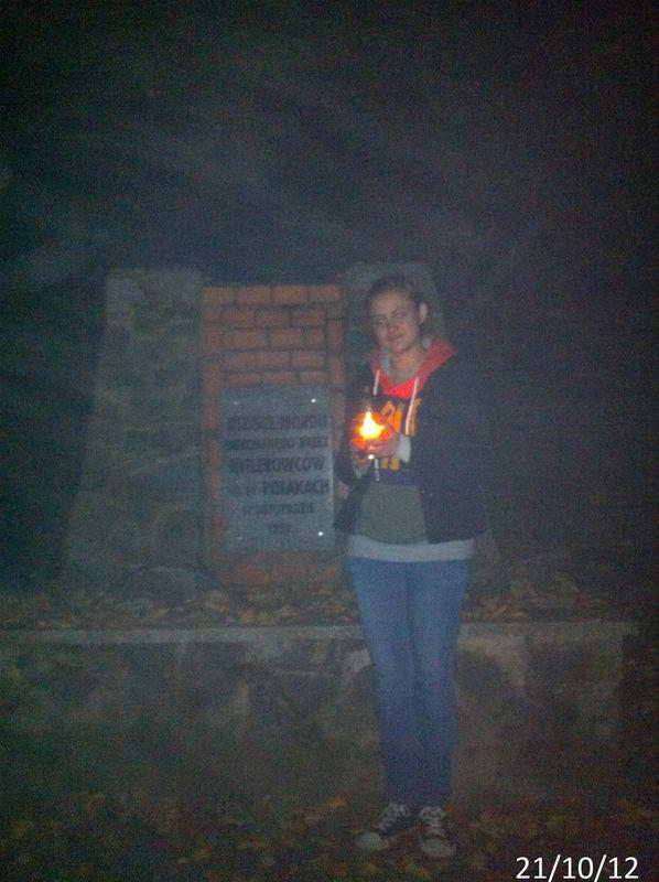 Zapal Znicz Pamięci 2012 -pomnik na Dalkach w Gnieźnie